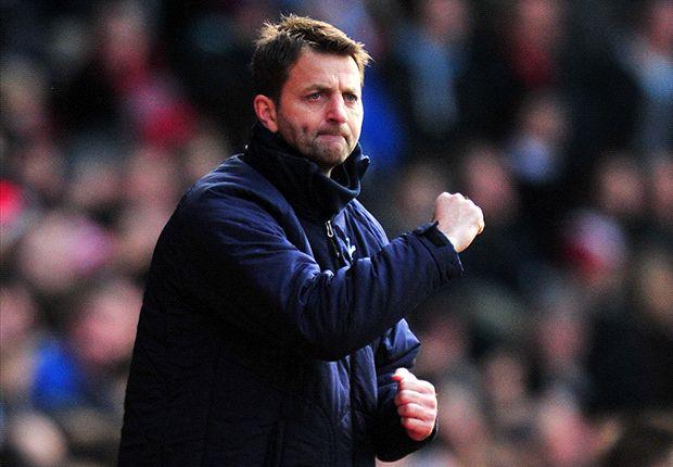 Sherwood đang có khởi đầu tốt ở Tottenham