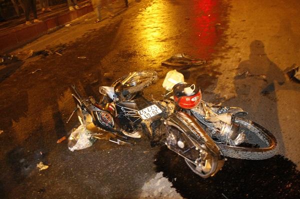 Vụ tai nạn khiến chiếc xe máy bị hư hỏng nặng