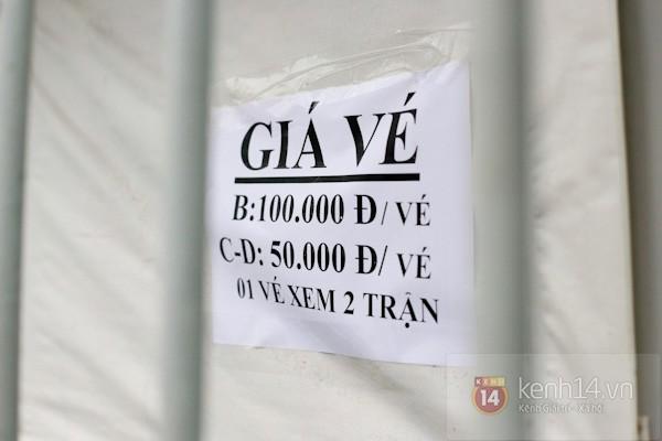 """""""Phe vé"""" xuất hiện trong ngày đầu bán vé xem U19 Việt Nam thi đấu 3"""