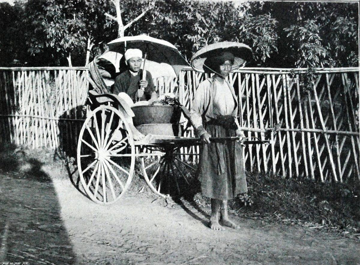 Đầu những năm 90, nghề kéo xe trở thành nghề vô cùng thịnh hành của dân lao động nghèo.