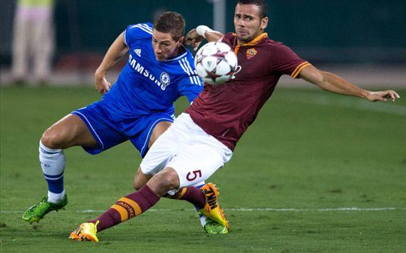 Chelsea đã có một trận đấu đầy vất vả trước AS Roma dù là người chơi hay hơn