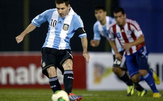 Đội trưởng Messi lập cú đúp giúp Argentina chính thức giành vé tới Brazil