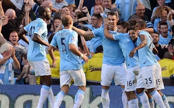 "Tiếp Man City: Villa Park gặp ""sóng thần"""