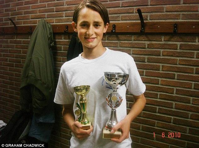Januzaj đoạt danh hiệu trong giải đấu tại trường Athenee Royal De Jette