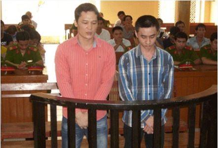 Trần Thế Cường (trái) và một bị cáo khác bị kết án nặng