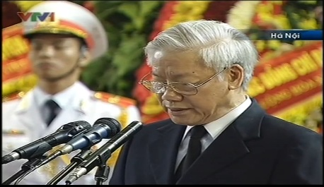 Tổng bí thư Nguyễn Phú Trọng đọc lời điếu văn.