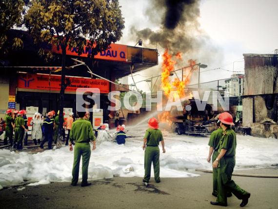 Hiện trường vụ cháy cây xăng số 9, địa chỉ số 2B Trần Hưng Đạo.