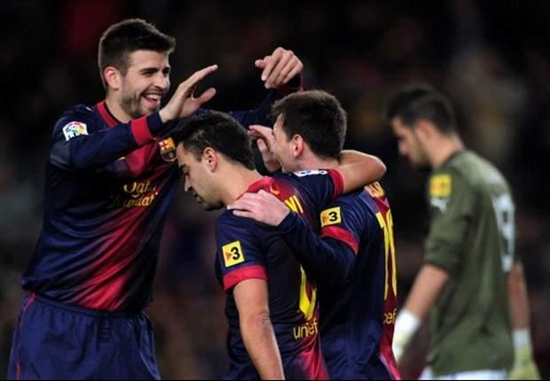 Pique không đồng ý bán Messi