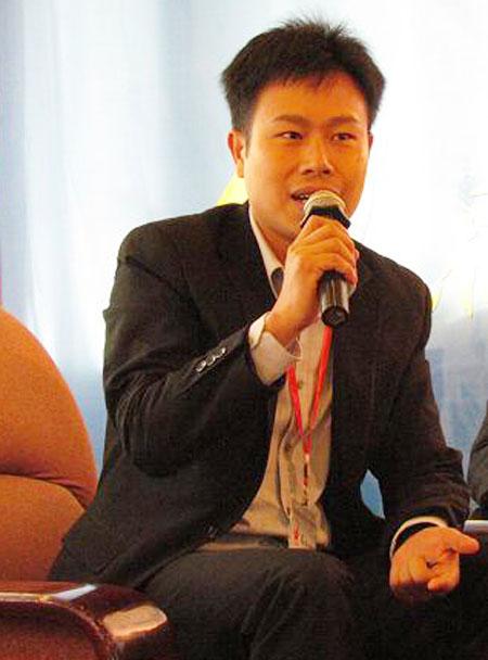 PGS.TS Lê Quân (Giám đốc Trung tâm Đào tạo và Giáo dục Quốc tế, Giảng viên Khoa Quản trị Kinh doanh (Trường ĐHQGHN).