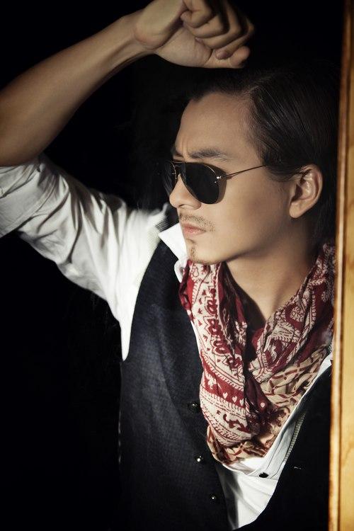 Đêm tân hôn 'nhớ đời' của Chí Trung, fan phản đối Ngô Kiến Huy 'nhái' Jang Dong Gun