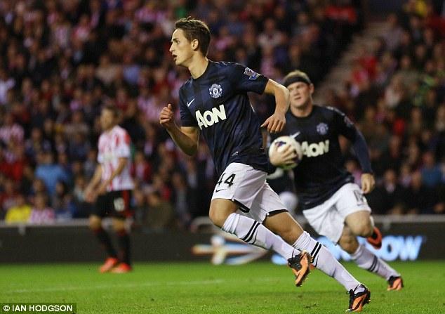 Tài năng người Bỉ tỏa sáng trong trận Man United thắng Sunderland 2-1 hồi đầu tháng Mười