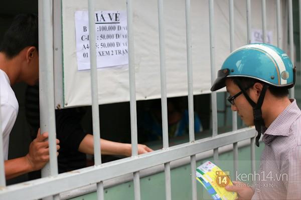 """""""Phe vé"""" xuất hiện trong ngày đầu bán vé xem U19 Việt Nam thi đấu 9"""