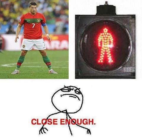 Cách đứng đá phạt kiểu đèn đỏ