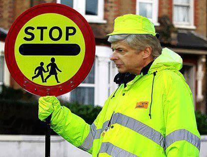 Arsene Wenger có khi phải chuyển nghề sau thất bại của Arsenal