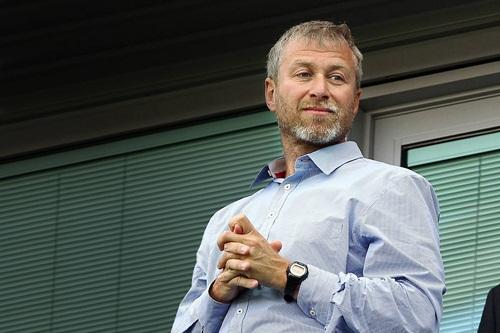 Căng thẳng ở giới thượng tầng Chelsea: Abramovich chơi xỏ Mourinho