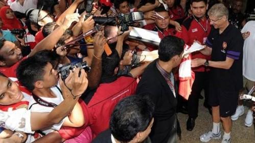 Việc những đội bóng như Roma hay Arsenal đến cũng chẳng giúp được gì cho bóng đá Việt Nam