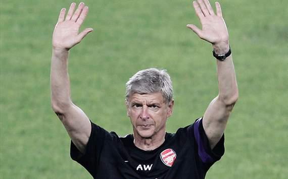 HLV Wenger và các học trò sẽ tới