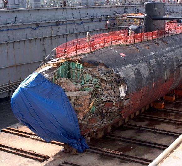 USS San Francisco bị hư hỏng nặng sau vụ va chạm