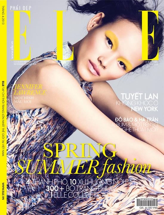 TuyếtLantrở thành người mẫu đầu tiên 2 lần lên bìa của ELLE Việt Nam.