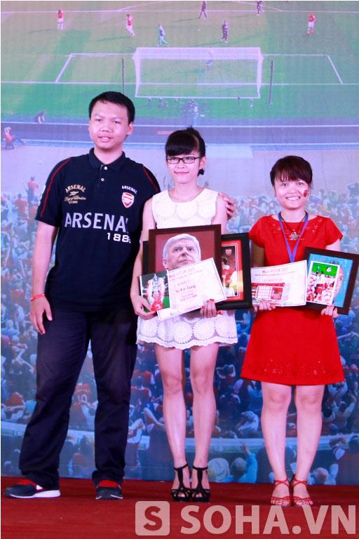 Một phần quan trọng trong buổi gặp mặt là phần trao giải Miss Arsenal Việt Nam 2013, với giải nhất thuộc về bạn Vũ Kim Dung.