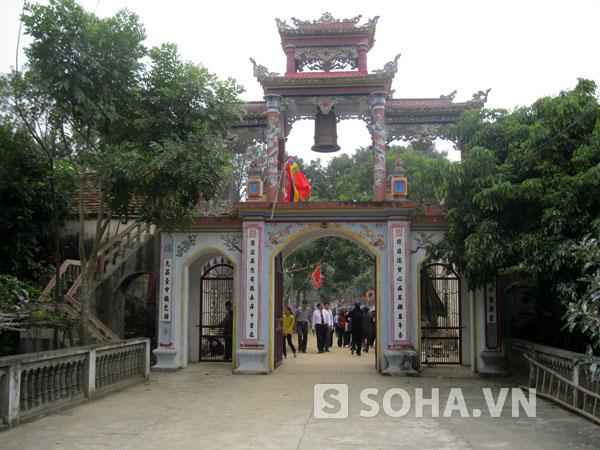 Chùa Du Anh (còn được gọi là chùa Thông) là ngôi chùa lâu đời, đã được xây dựng từ thời nhà Lý.