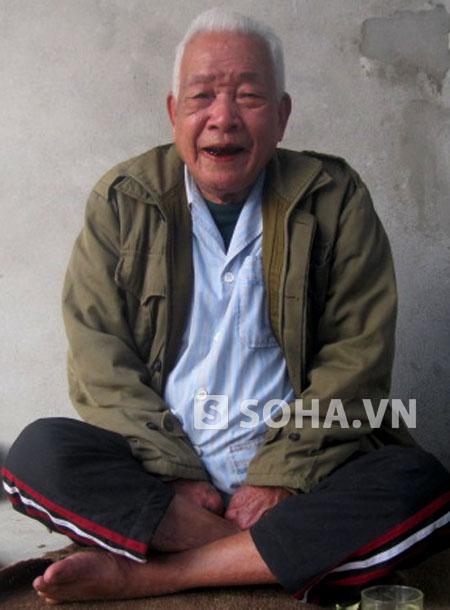 Dù đã 95 tuổi nhưng hằng ngày cụ vẫn đạp xe để tự đi chợ, tự nấu ăn và thăm con cháu. Trưa hè, cụ vẫn ra sông Mã bơi vài vòng, thậm chí ngụp lặn xuống sông để bắt cá.