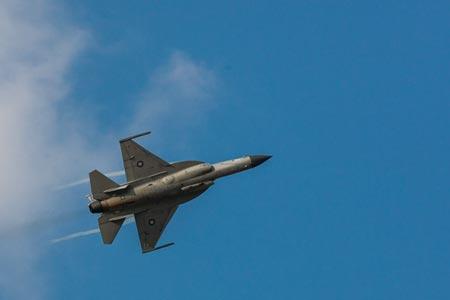 Tiêm kích JF-17 tại triển lãm hàng không Dubai 2013