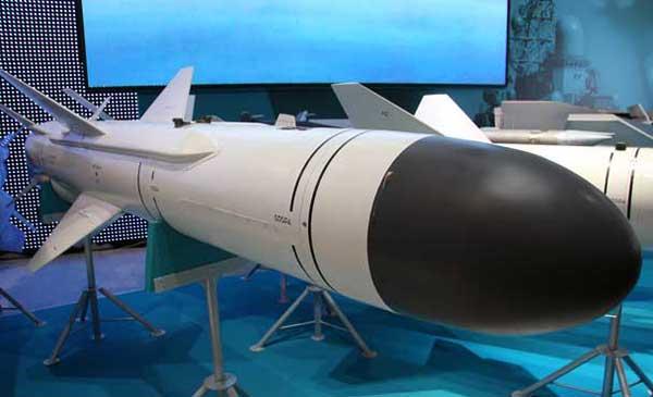 Việt Nam và Nga cũng đang hợp tác cùng nhau phát triển biến thể tên lửa chống tàu Kh-35EV