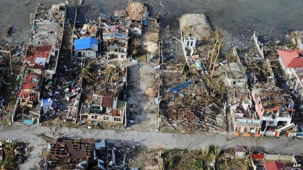 Thành phố Tacloban của Philippines bị tàn phá tan hoang