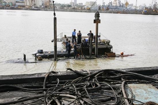 Vụ nổ tàu ngầm Kilo 877EKM của Ấn Độ là một bài học xương máu cho Việt Nam