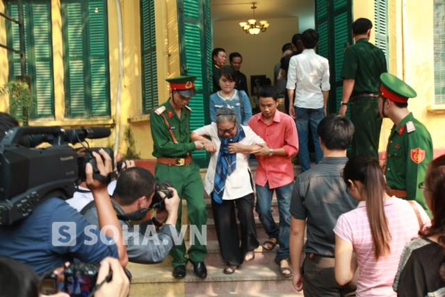 Cụ Nguyễn Thị Bỉnh, từ Tô Tịch ghẹn ngào :