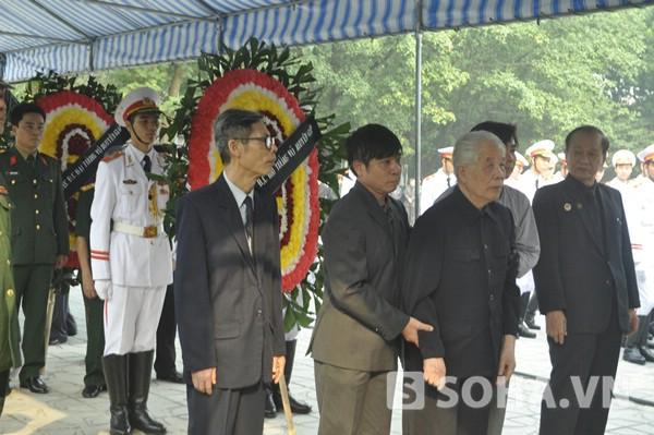 Trực tiếp: Các đoàn nước ngoài bắt đầu vào viếng Đại tướng