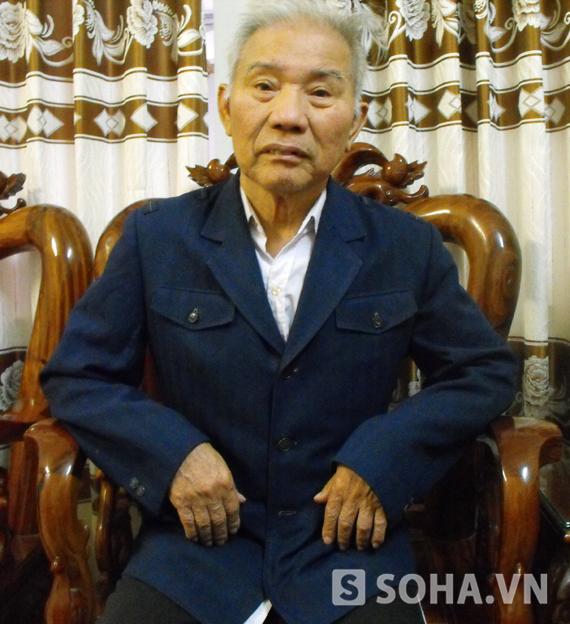 Ngoài việc cầm lái chở các vị lãnh đạo đi công tác thì Đại tá Nhâm còn tham gia phục vụ chiến trường, không ít lần Đại tá Nguyễn Khắc Nhâm thoát chết nhờ trình độ lái chim sắt đã thuần thục.