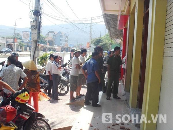 Ngôi nhà của anh Lê Xuân Thanh bị đối tượng côn đồ đập phá.