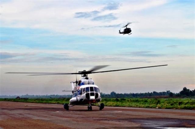 Máy bay UH-1 sát cánh cùng Mi-17 trong đội hình Lữ đoàn 917