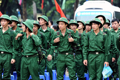 Thanh niên Việt Nam lên đường đi nghĩa vụ quân sự (Ảnh minh họa)