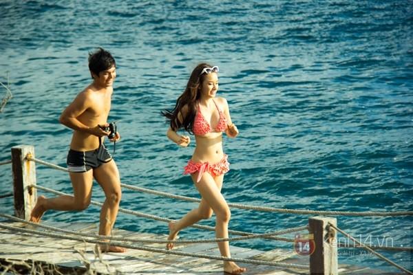 Angela Phương Trinh mặc bikini đuổi bắt với bạn trai
