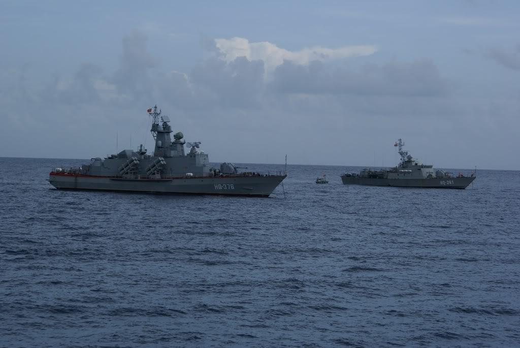 Tàu HQ-375 và tàu HQ-376 của Hải quân nhân dan Việt Nam