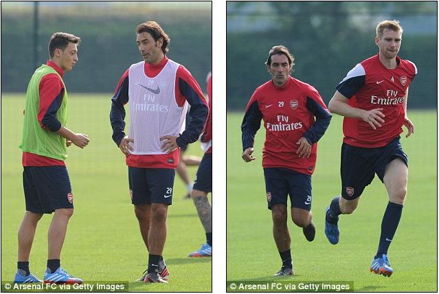 Pires chỉ dẫn và tham gia luyện tập cùng Ozil và Mertesacker
