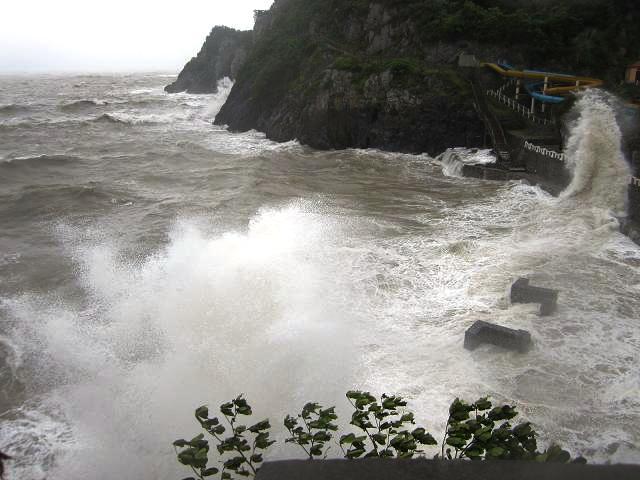 Không chỉ Đồ Sơn mà nhiều địa phương khác trên địa bàn Thành phố Hải Phòng như huyện Cát Hải cũng bị ảnh hưởng nặng nề bởi cơn bão số 2 vừa đi qua (Ảnh: catba.com.vn)