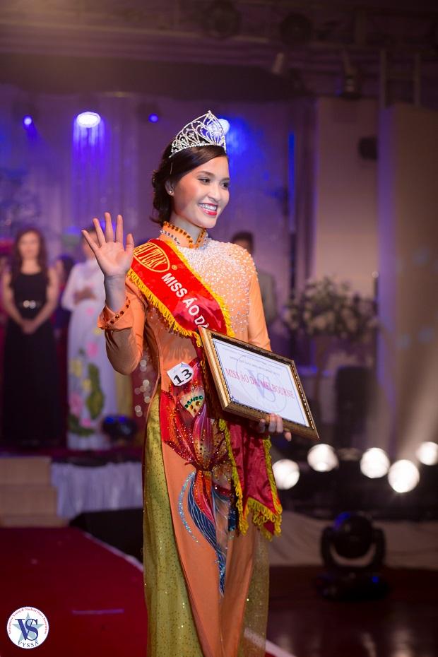 Nguyễn Thảo Nhàn Thi đăng quang ngôi vịMiss Áo Dài Melbourne 2013