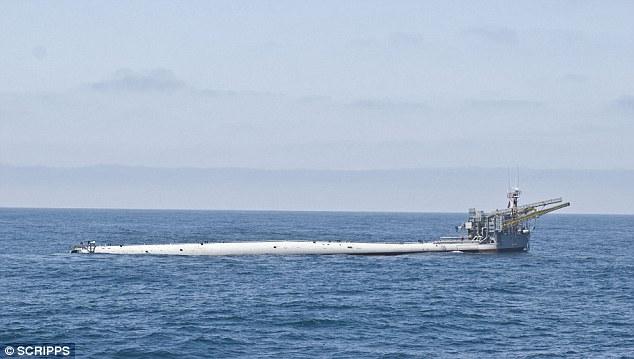 Kiểu di chuyển độc nhất vô nhị của tàu Hải quân Mỹ