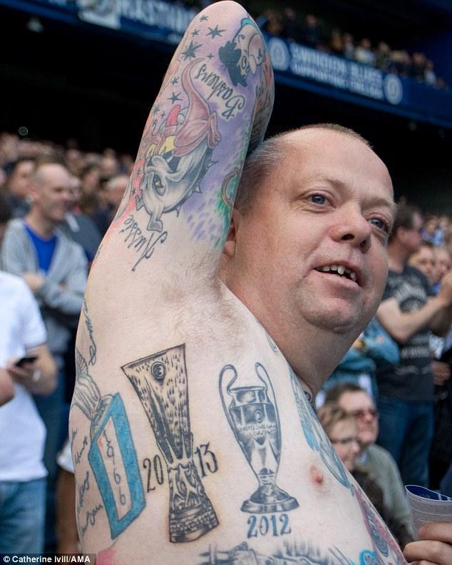 Những hình xăm kỳ dị của CĐV Premier League