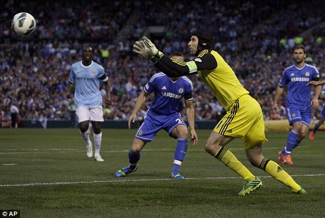 Sau khi rao bánRoss Turnbull và Hilario, Petr Cech là thủ môn duy nhất được Chelsea giữ lại