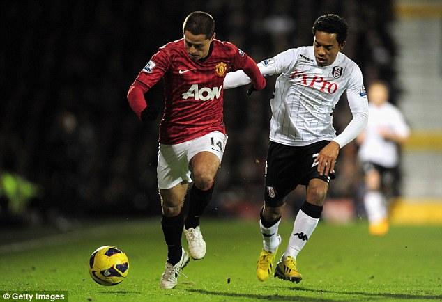 Valencia hỏi mượn tiền đạo Chichartito của Man United