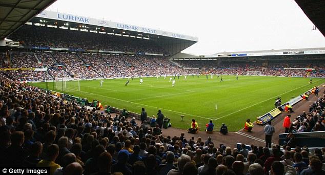 Leeds đang lên kế hoạch mua lại sân Elland Road
