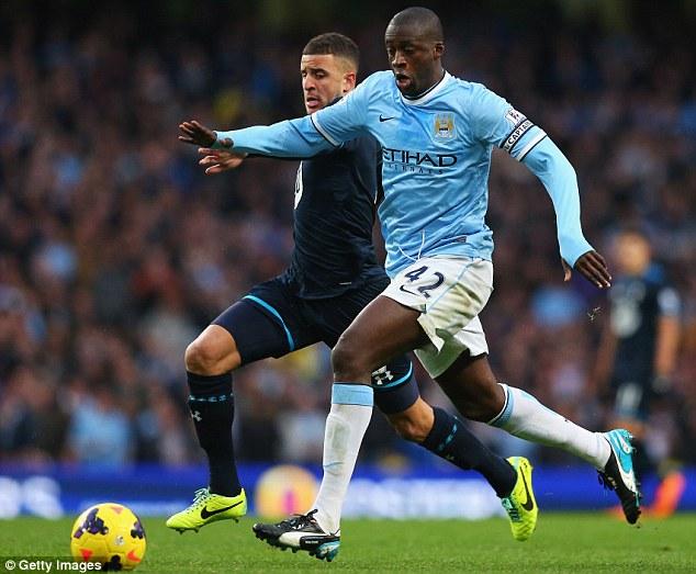 Yaya Toure (Man City) thi đấu 12 trận, ghi được 5 bàn. Chàng tiền vệ người Bờ Biển Ngà đã thực hiện 880 đường chuyền thành công trên tổng số 963.