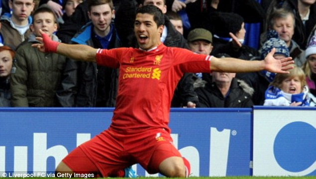Luis Suarez (Liverpool) ghi được 9 bàn sau 7 trận đã đấu. Chàng tiền đạo người Urguay có phần thiệt thòi hơn các cầu thủ khác khi đầu mùa giải anh không được ra sân thi đấu vì án treo giò.