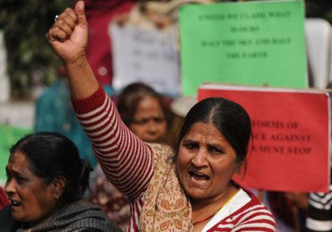Biểu tình bùng phát ở Ấn Độ sau vụ bé gái 7 tuổi bị hiếp dâm