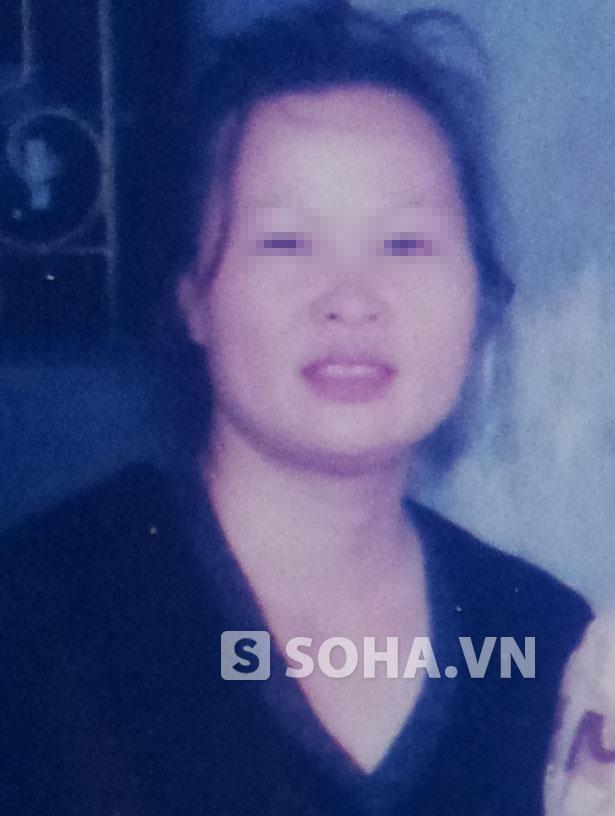 Bà Đặng Thị H. ra cơ quan công an trình diện